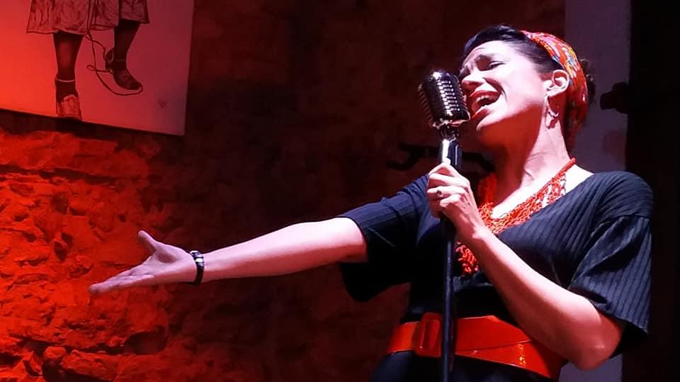 Queralt Albinyana- blueswoman